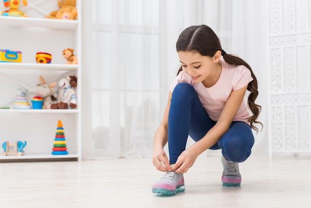 Legare i lacci delle scarpe