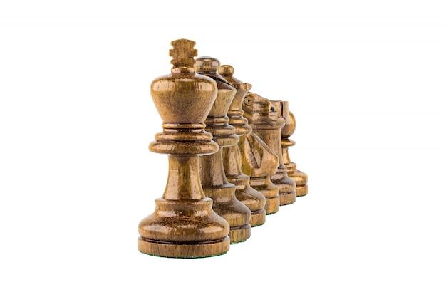 Legno di scacchi su sfondo bianco, messa a fuoco selettiva