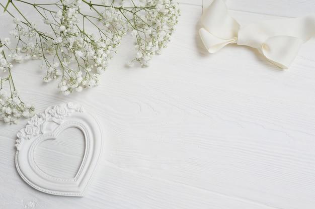 Lettera con confezione regalo per auguri san valentino