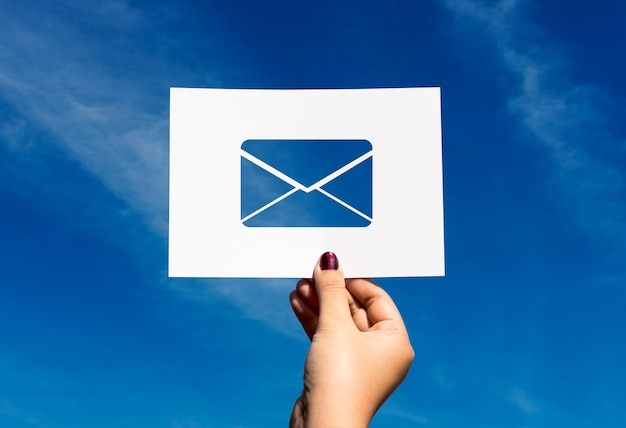 Lettera di carta perforata di comunicazione di rete di posta elettronica