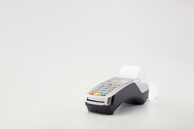 Lettore automatico della carta di credito su bianco