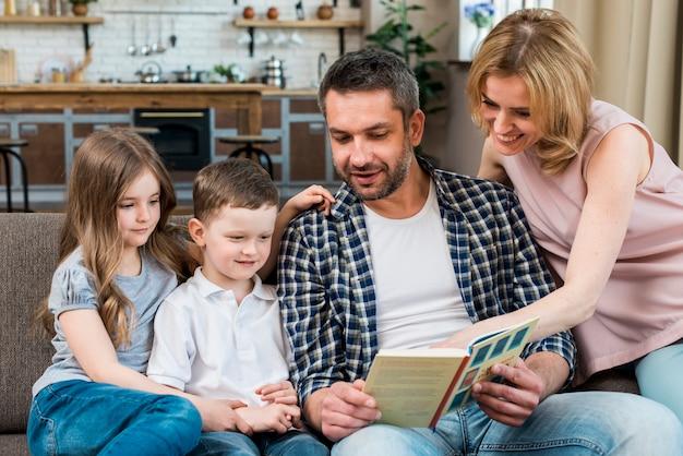 Lettura di famiglia