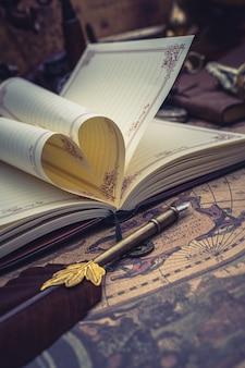 Libro a forma di cuore