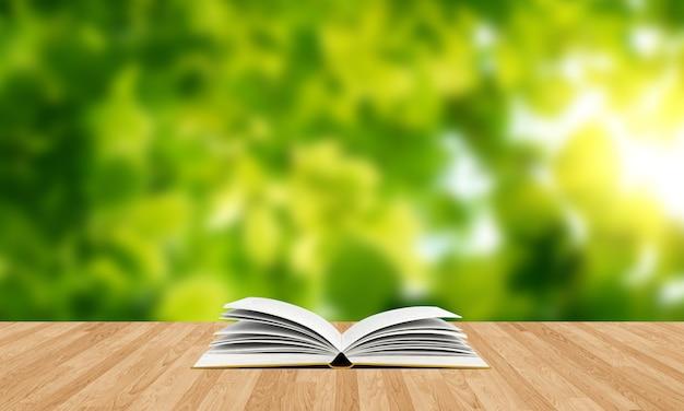 Libro aperto su tavola di legno