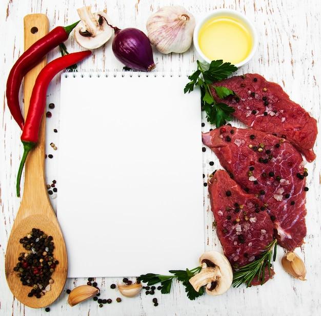 Libro di ricette e ingredienti