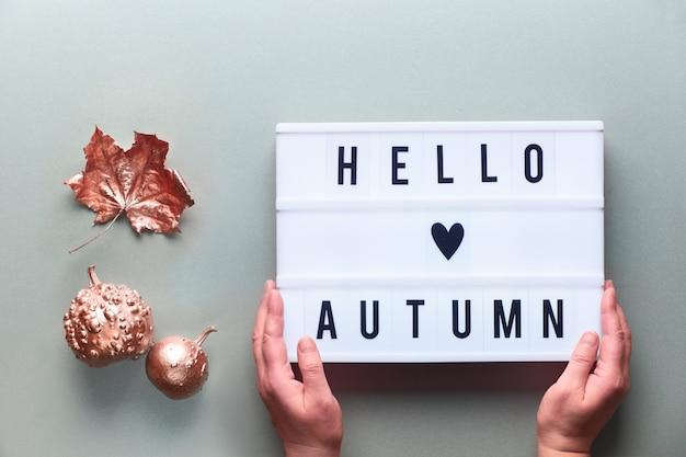 Lightbox con testo ciao autunno