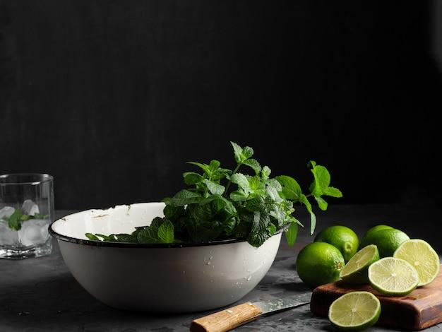 Lime e menta piperita