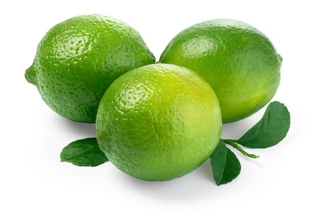 Lime. frutta fresca con foglia