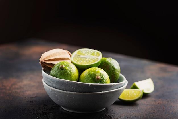 Lime verdi freschi