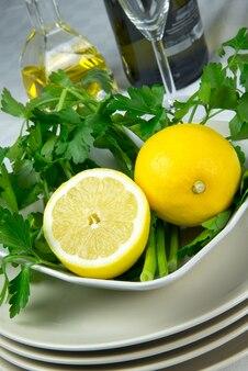 Limone e prezzemolo molto freschi