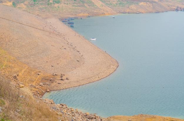 Linea di galleggiamento del bacino idrico