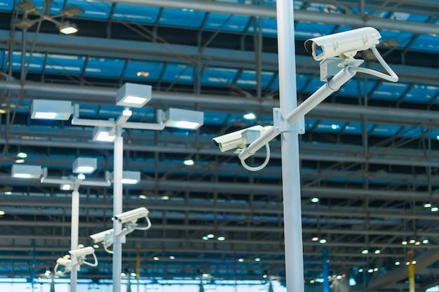 Linea di telecamere cctv o sorveglianza operative
