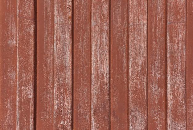 Linee parallele zincate di colore marrone