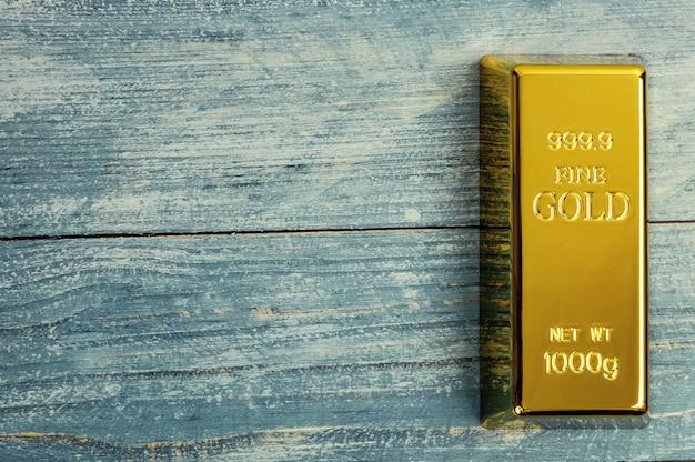 Lingotto di lingotti di metallo dorato puro