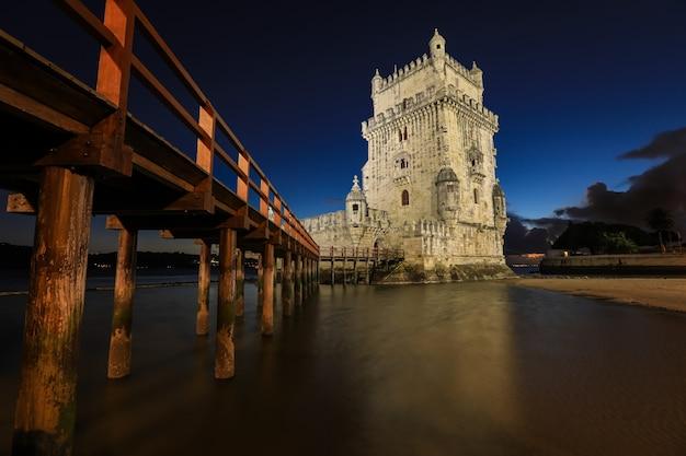 Lisbona, torre di belem - fiume tago, portogallo