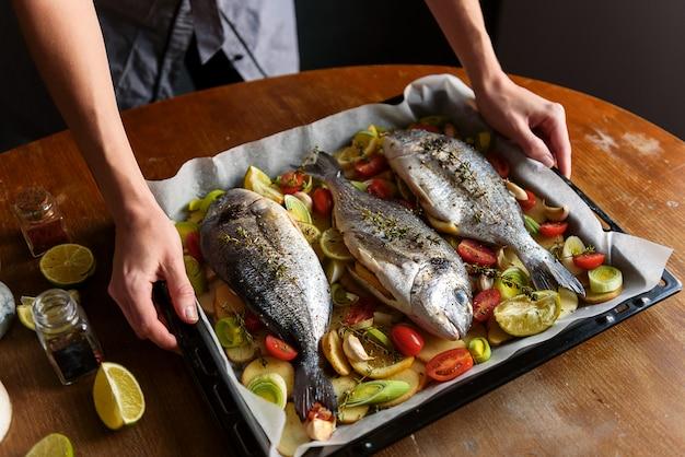 Lo chef cucina pesce