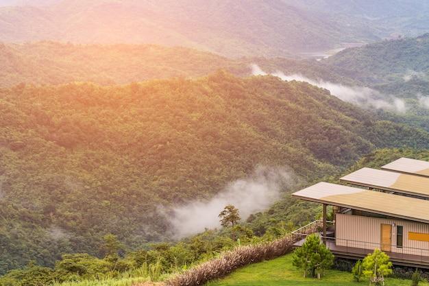 Lodge di montagna, khao kho, tailandia
