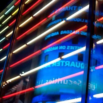 Luci al neon a times square manhattan, new york city, usa