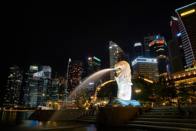 Lunga esposizione splendidi edifici city lights