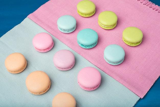 Macarons colorati.