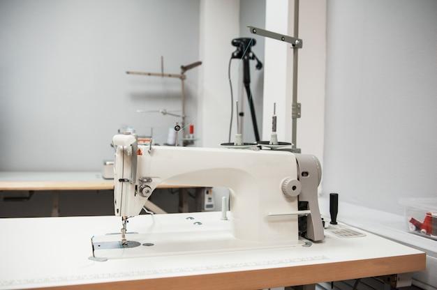 Macchina da cucire industriale