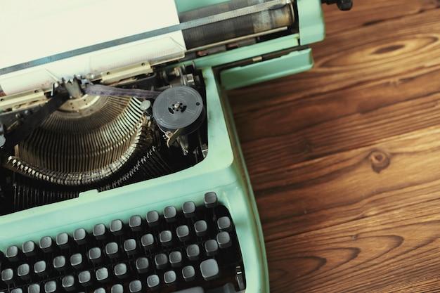 Macchina da scrivere antica. macchina da scrivere vintage