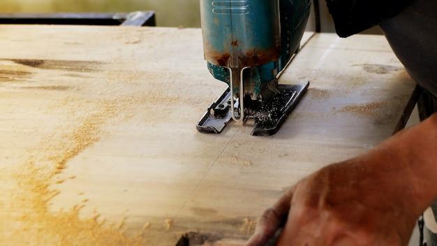 Macchina per la lavorazione del legno
