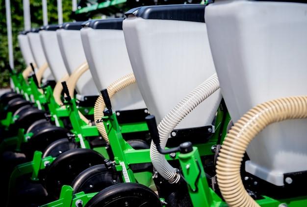 Macchine e attrezzature agricole moderne. dettagli industriali.