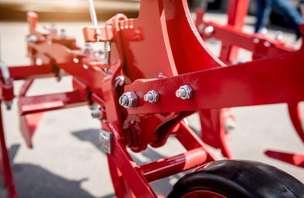 Macchine e attrezzature agricole moderne.