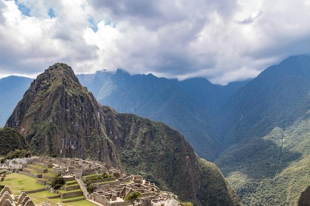 Machu picchu, cusco, perù, sud america. un sito del patrimonio mondiale dell'unesco