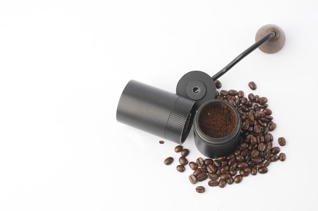 Macinacaffè tradizionale con chicchi di caffè
