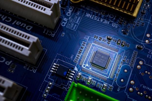 Macro di sfondo del microchip su mainboad