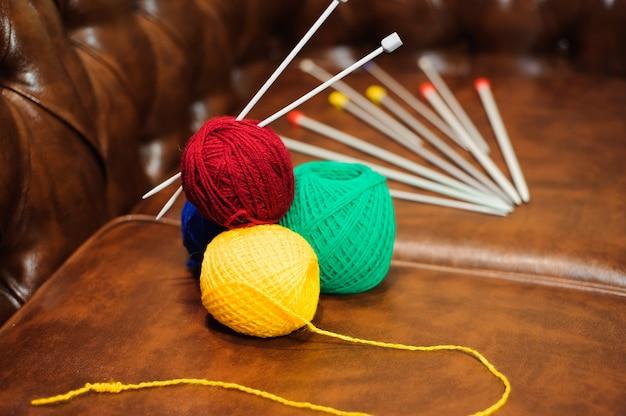 Maglieria lana e ferri da maglia, attrezzatura per maglieria