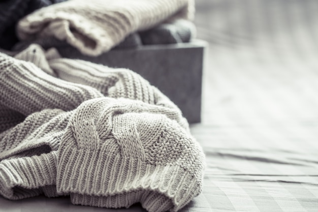 Maglioni caldi lavorati a maglia