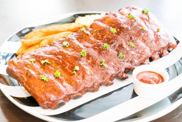 Maiale barbecue alla griglia con salsa dolce