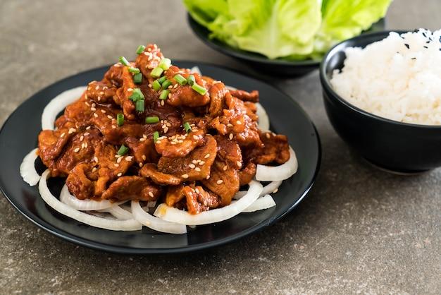Maiale fritto con salsa piccante coreana (bulgogi)