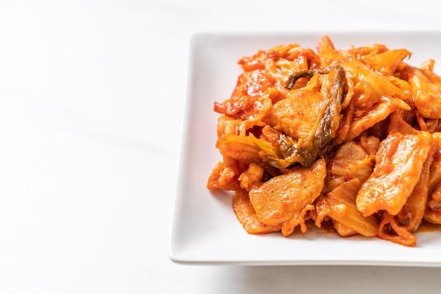 Maiale saltato in padella con kimchi