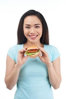 Mangiare cibo spazzatura