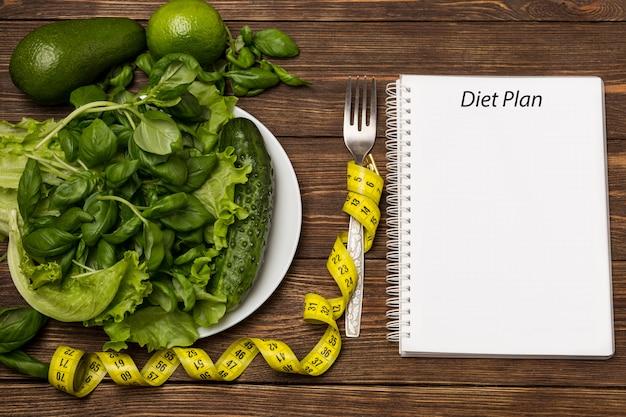 Mangiare sano, dieta, dimagrimento e perdita di peso concetto.