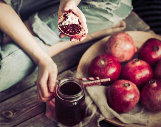 Mangiare sano succo di melograno