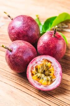 Mango con frullato di frutta passion da ingredienti freschi