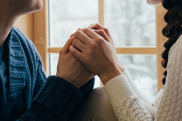 Mani insieme coppia