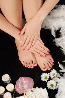 Manicure e pedicure fresche