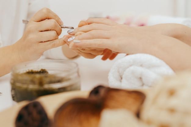 Manicure fa manicure