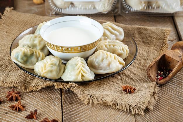 Manti gnocchi al vapore piatto dell'asia centrale