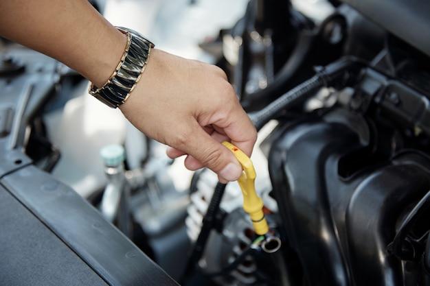Manutenzione dell'auto