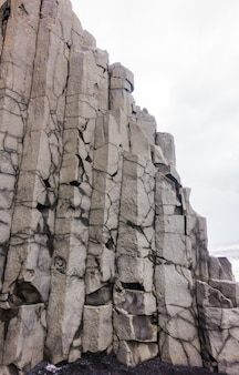 Mare belle colonne di sabbia naturale