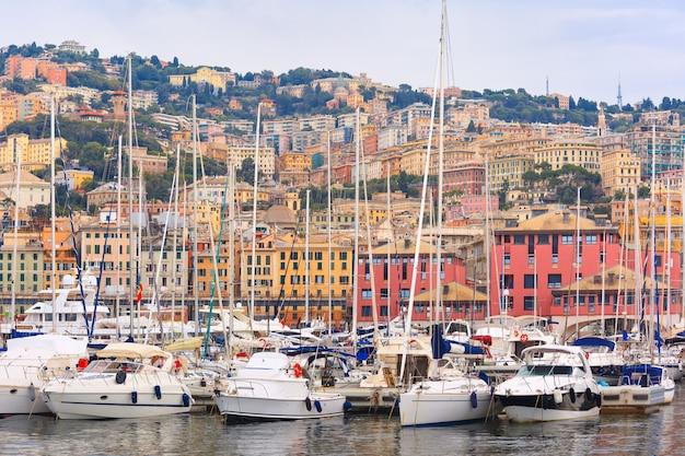 Marina porto antico genova, genova, italia.