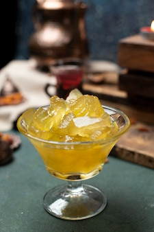 Marmellata di anguria sul tavolo