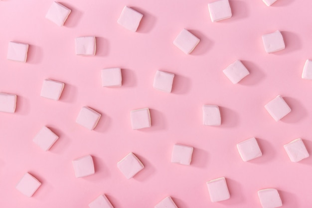 Marshmallows rosa sul rosa